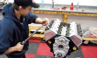 0608gmhtp_22_o+golen_396_lt1_engine_build+bolt_torquing